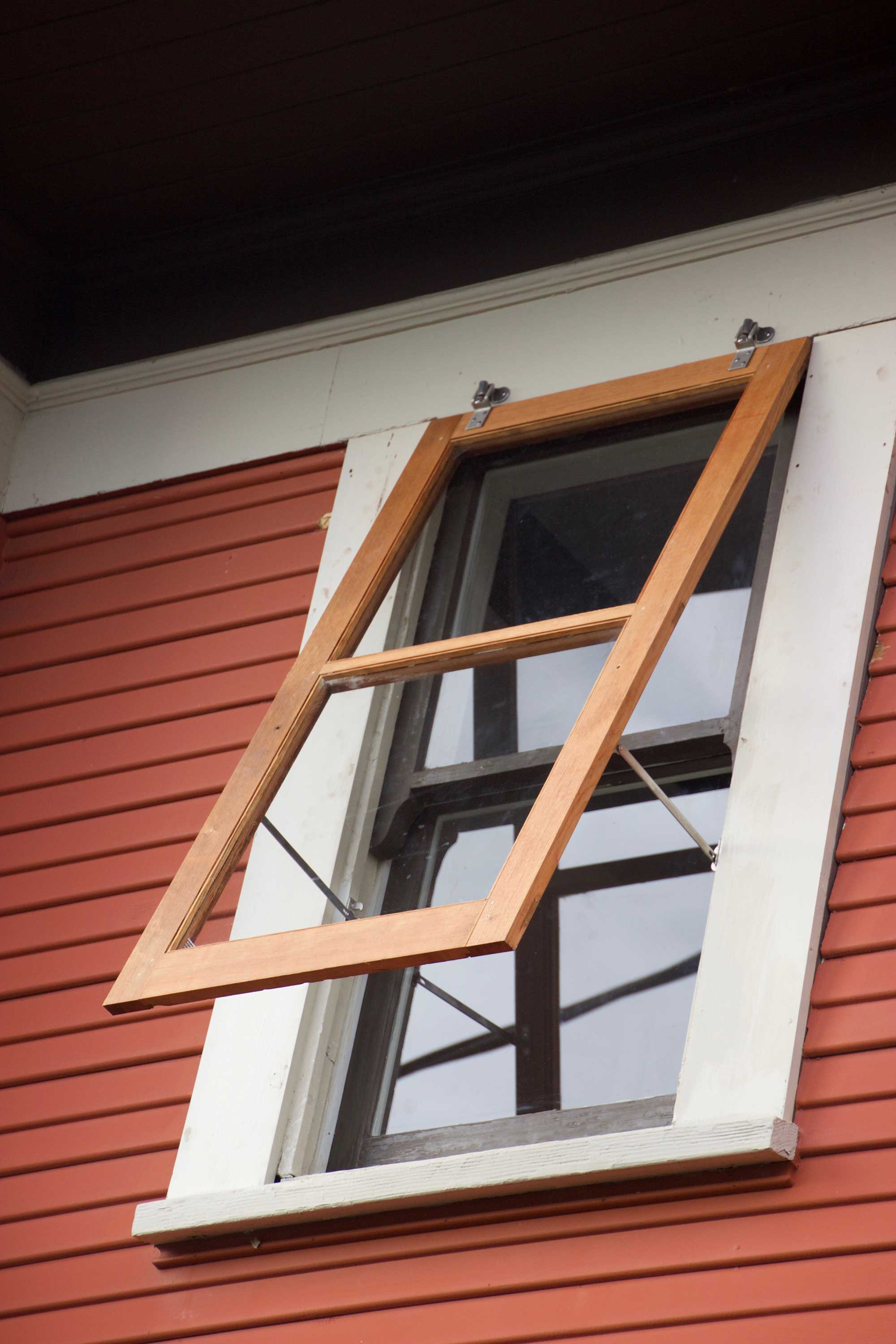 Custom Fitting Wood Storm Sash For Homes In Albany Or